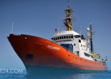 """السفينة """"اكواريوس"""" تدخل بدورها الى مرفأ فالنسيا الاسباني"""